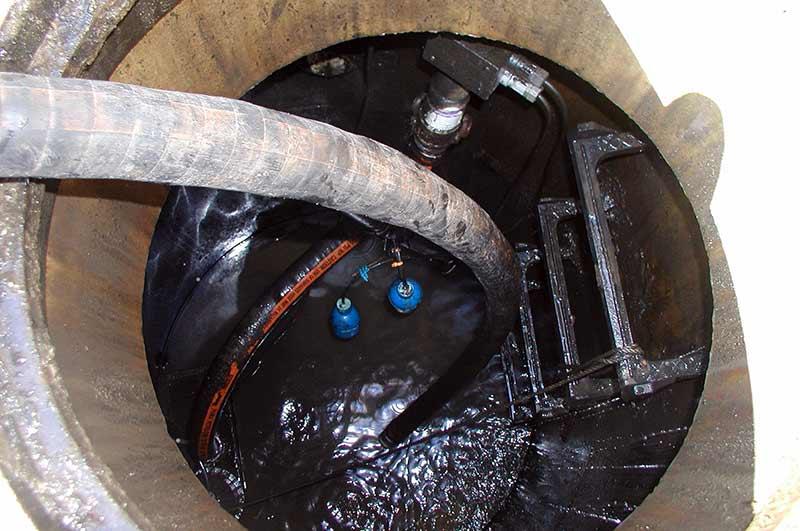 Vacuum Truck Tank Pumping